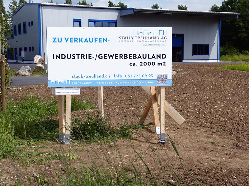 MeGusta_Werbetechnik_Referenz_Baureklame_Frauenfeld_StaubTreuhandAG_Zücherstrasse_Beschriftung_06